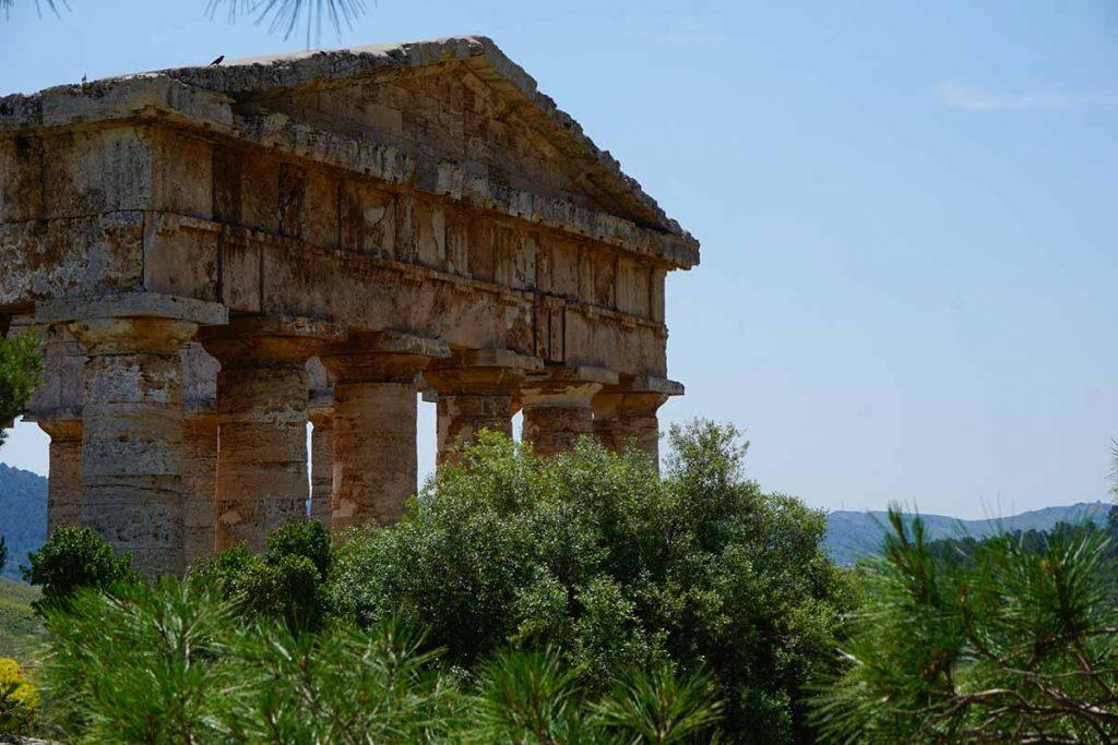 Zoom sur le temple de Ségeste