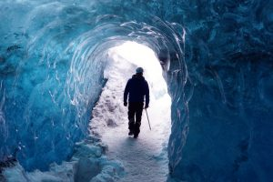 Grotte de glace sur le glacier Vatnajokull en Islande