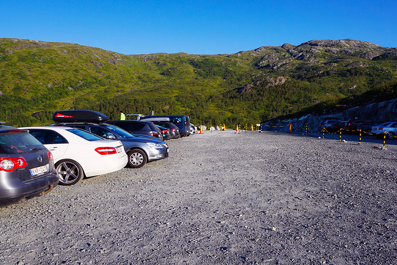 parking trolltunga