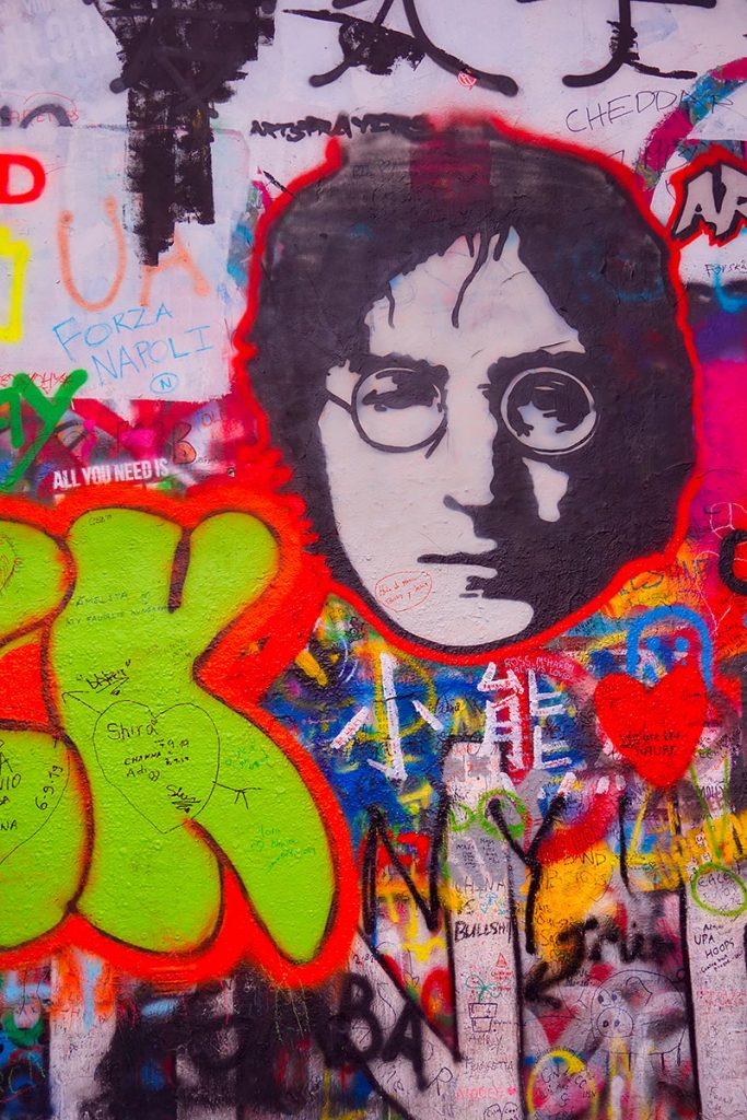 Visiter Prague - Le mur de John Lennon