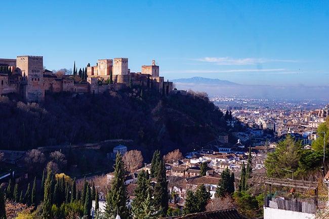 Vue sur l'Alhambra depuis le quartier de Sacromonte