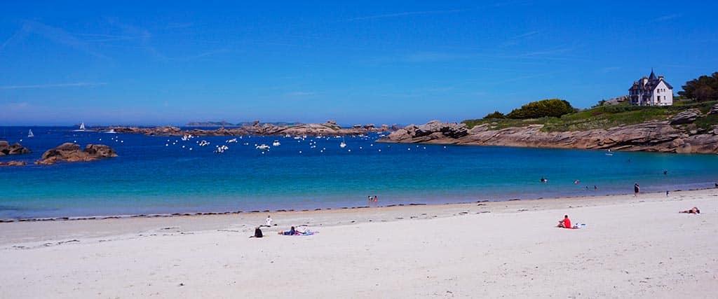 La plage de Trégastel