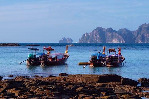 Long Tail Boat à Koh Phi Phi en Thaïlande