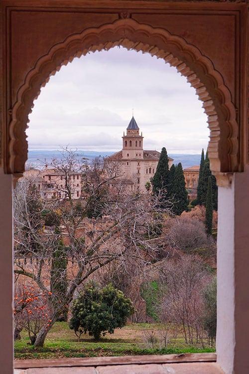 Vue sur Grenade depuis le Generalife, au Palais de l'Alhambra