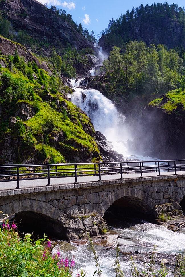 Cascade Latefossen en Norvège