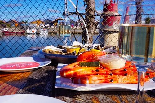 Photo de fruits de mer et vin blanc à Gujan Mestras