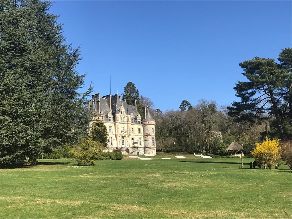 Photographie du château et du parc de La Roche Bagnoles