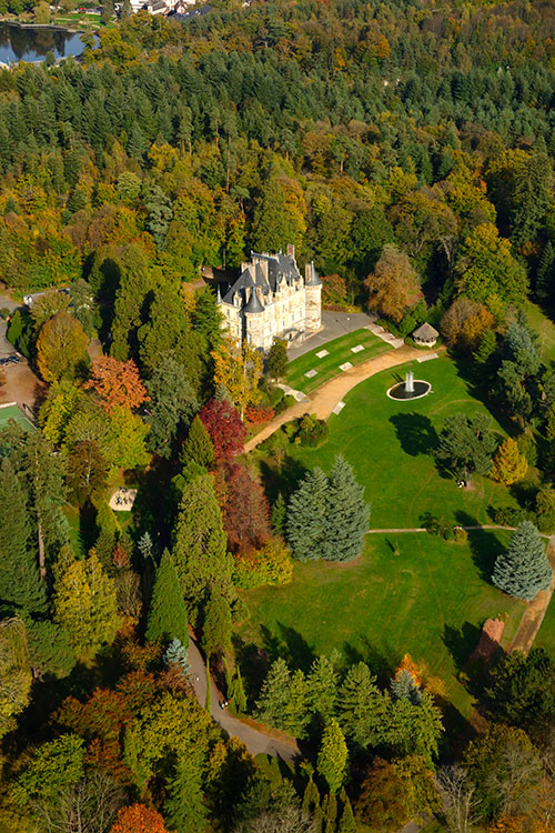 Photographie aérienne du château de la Roche Bagnoles à Bagnoles de l'Orne