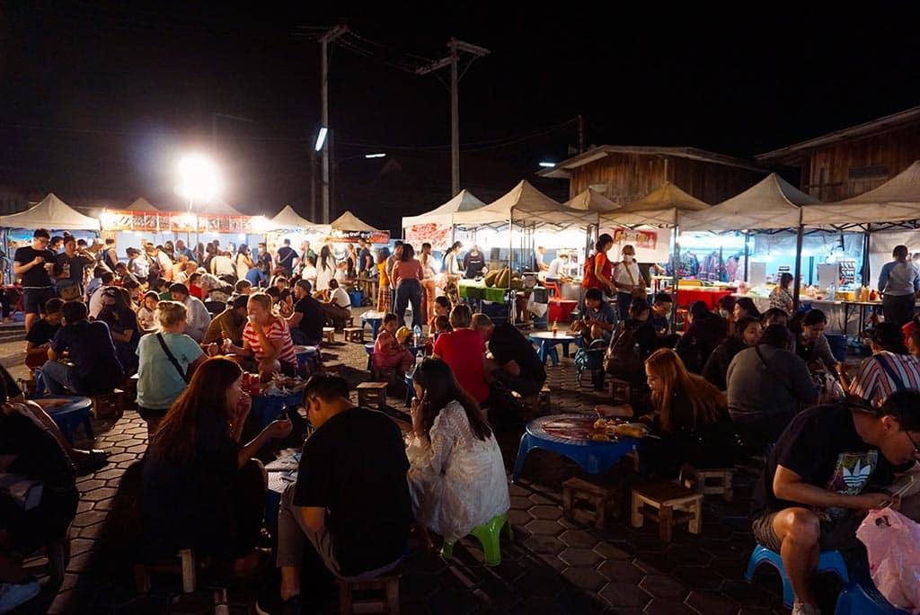 Photographie du Saturday Night Market à Chiang Mai