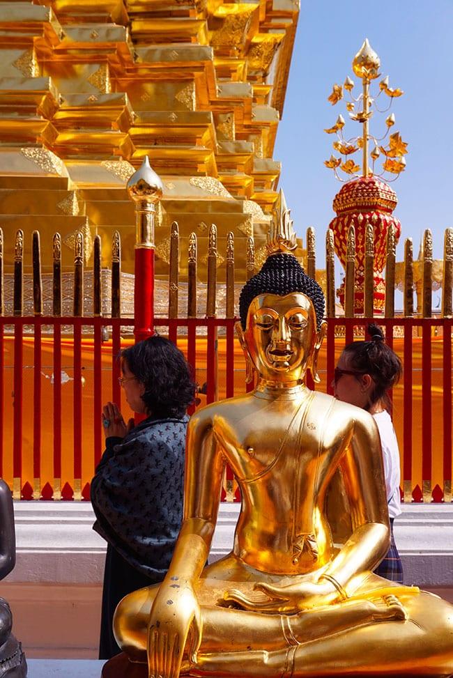 Photographie de Bouddha au Wat Doi Suthep