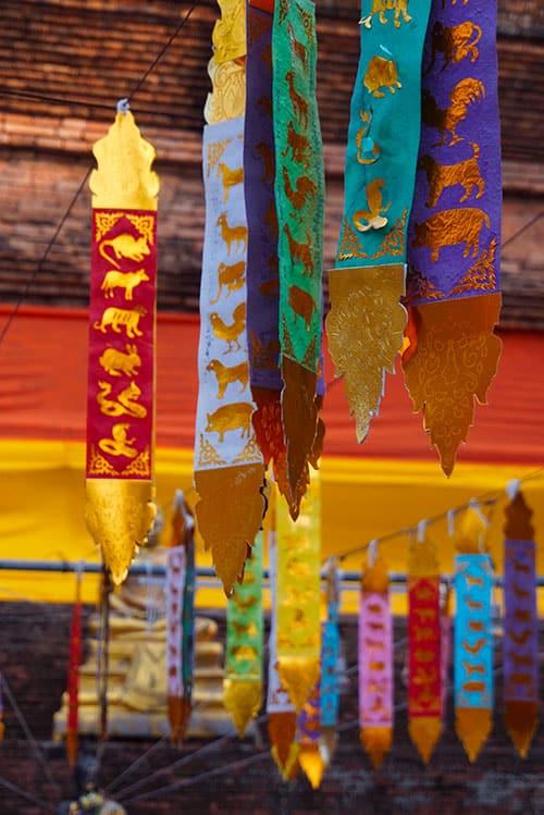 Photographies de drapeaux de prière au Wat Lok Molee