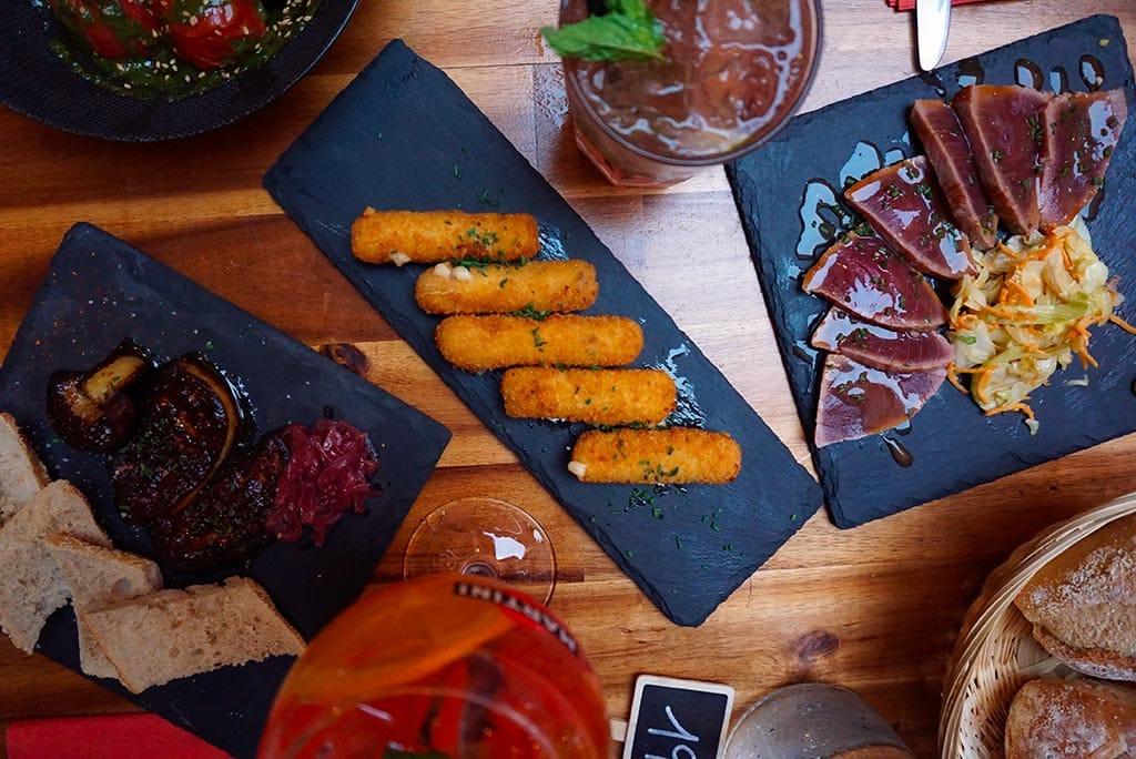 Photographie des tapas au restaurant du Couvent Hostel