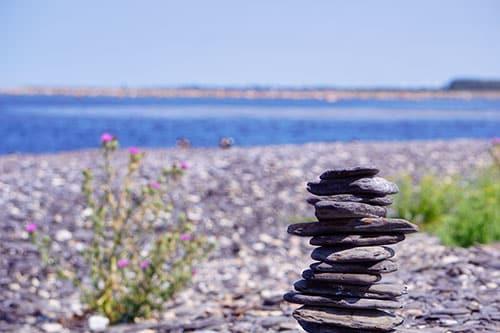 Photo d'un cairne sur l'île d'Oland en Suède