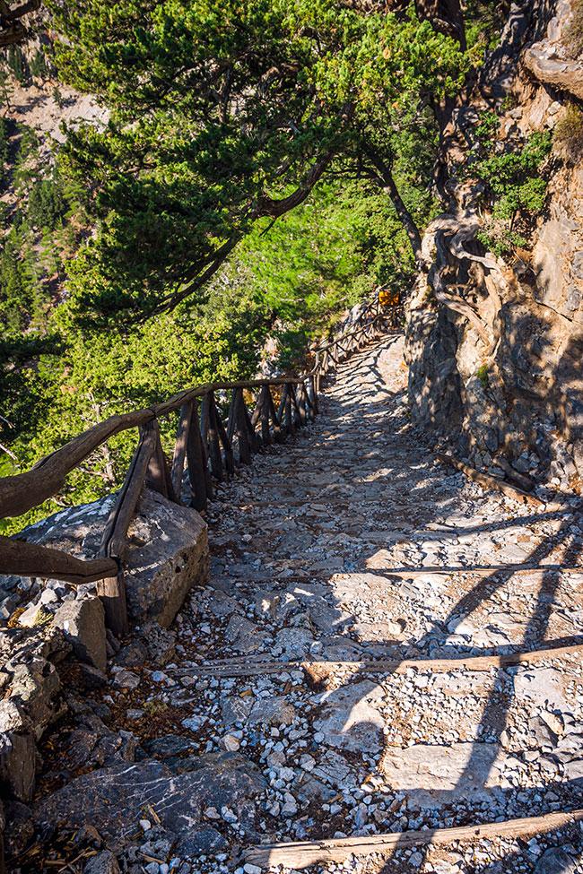 Photographie du départ de la randonnée de Samaria en Crète