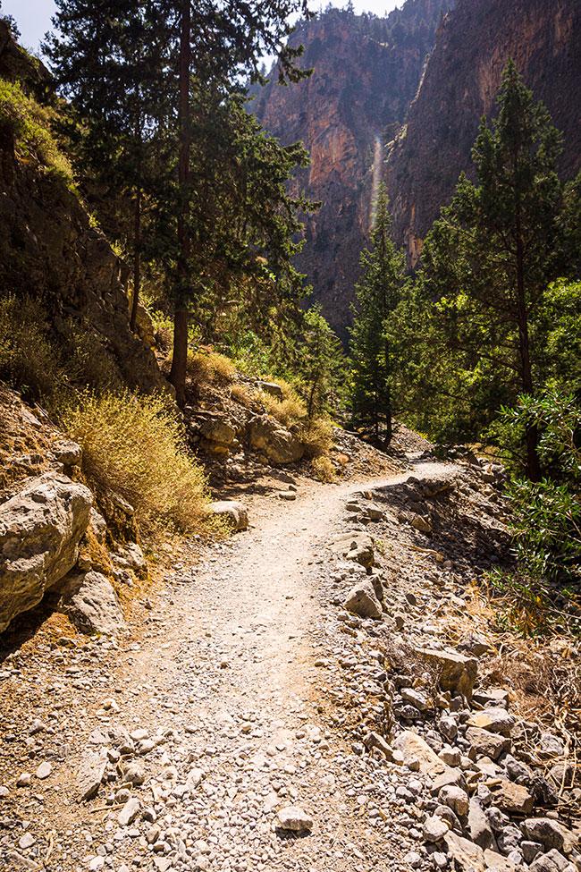 Photographie d'un chemin dans les Gorges de Samaria