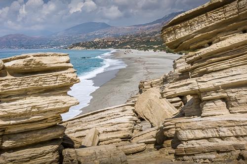 Photographie de la plage de Triopetra vue depuis les rochers