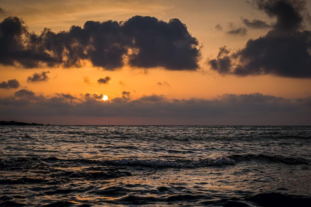 Photographie d'un coucher de soleil sur l'île d'Elafonisi