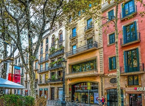 Photographie de facades typiques de Barcelone