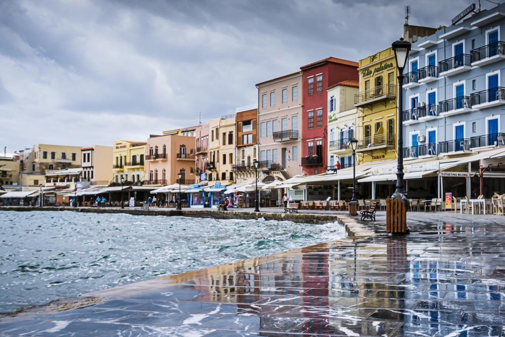 Photographie de la promenade du port de La Canée en Crete