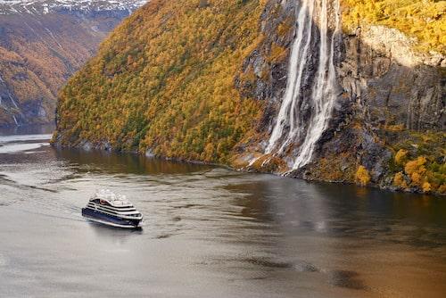 Photographie d'un bateau de croisière en Norvège