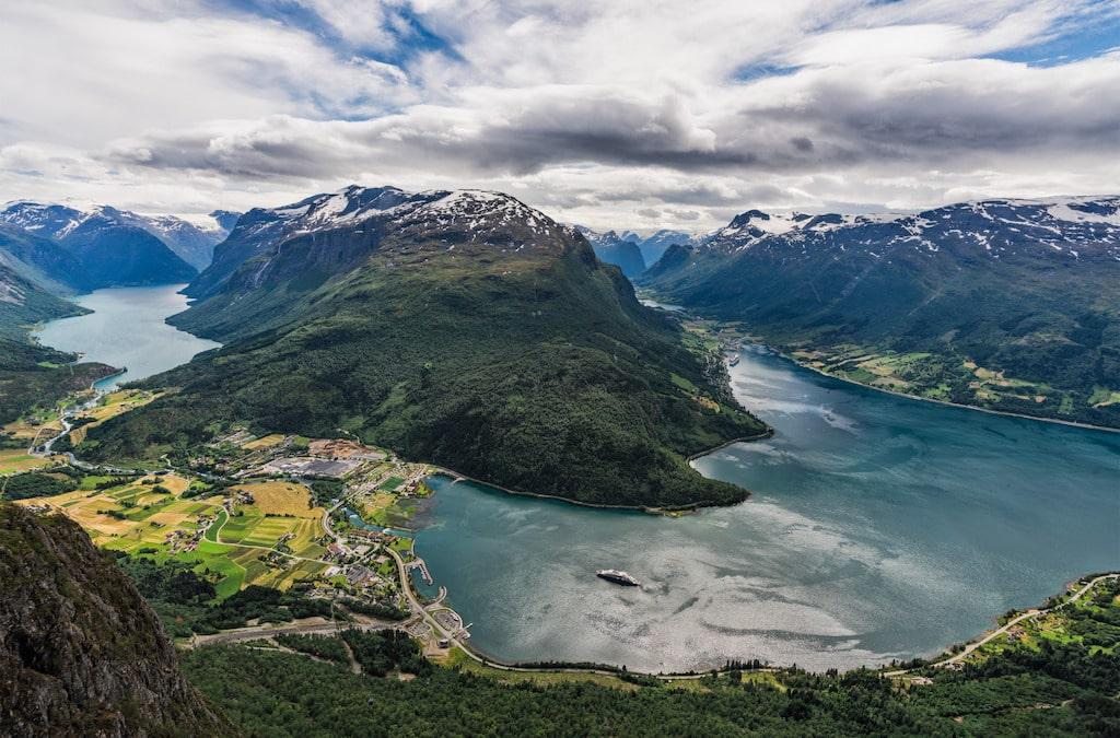 Photographie d'un fjord en Norvège