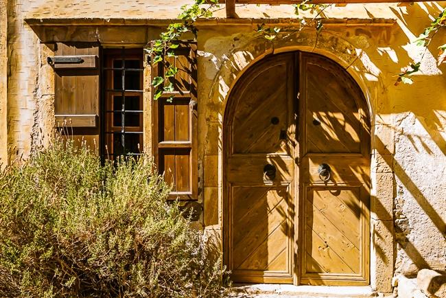 porte dans le village abandonnée de Spinalonga