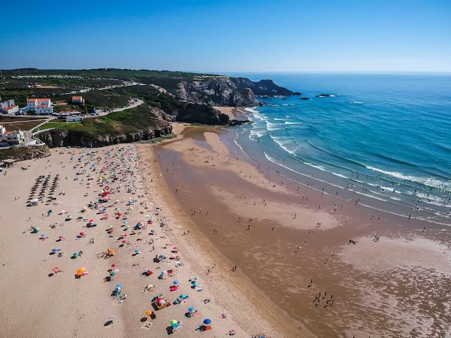 Photographie de la plage d'Odeiceixe prise par drone