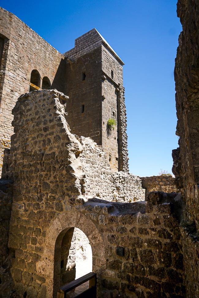 Photographie de l'intérieur du château de Quéribus