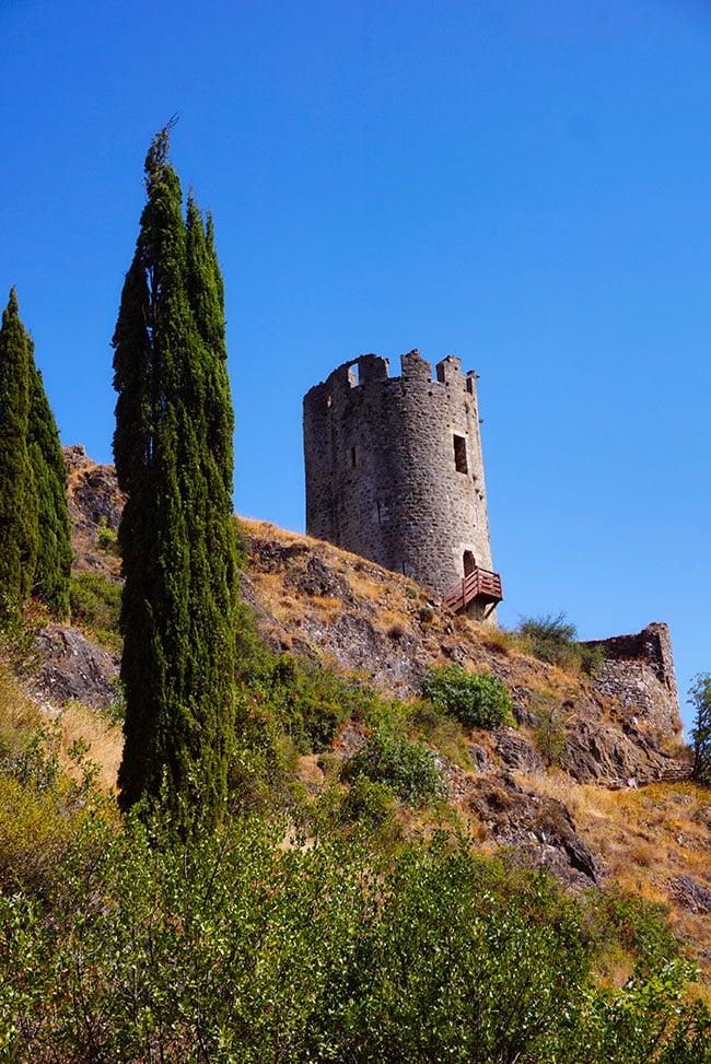 Photographie d'un des quatre Châteaux de Lastours