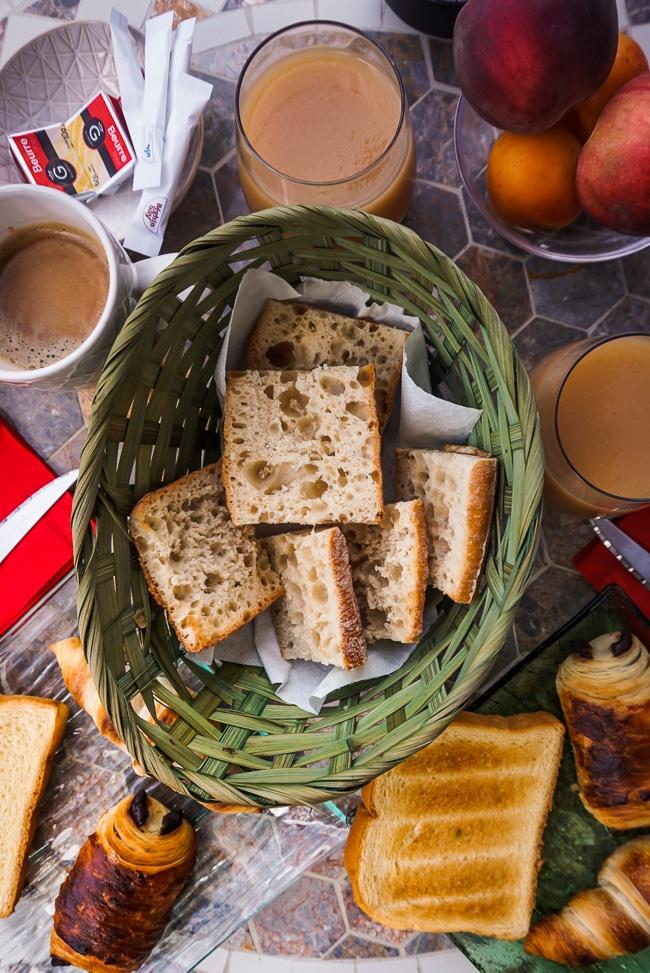 Photographie du petit dejeuner de la villa saint andre a proximite de collioure