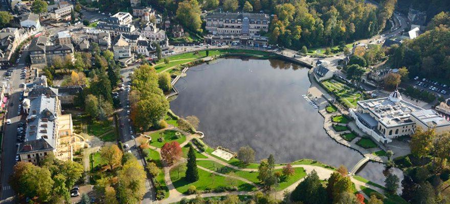 Photographie aérienne du lac de Bagnoles de l'Orne