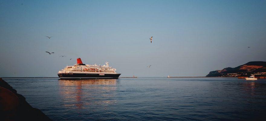 Photographie d'un bateau de croisière